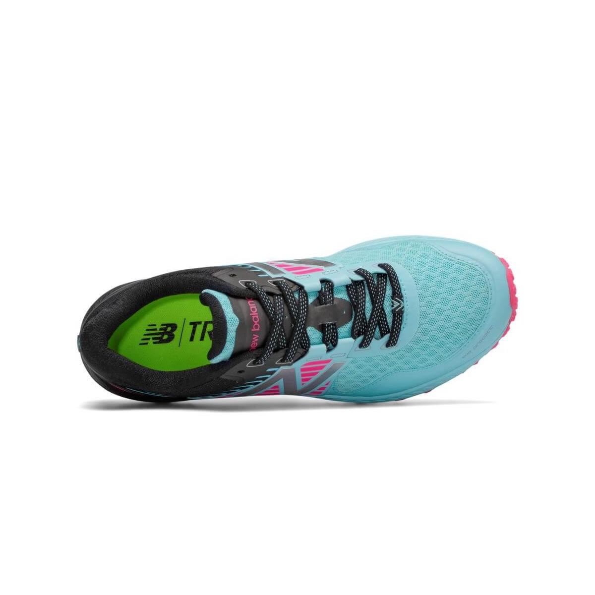 Zapatillas New Balance 910 V4 Trail color azul y rosa Mujer