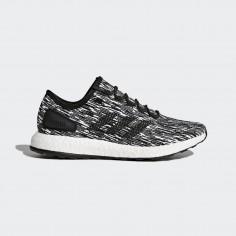 Adidas PureBoost. Color blanco y negro.