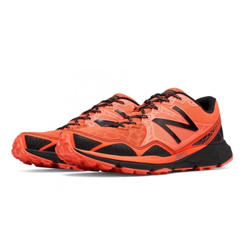 Zapatillas de Trail New Balance MT910 Negro/rojo OI16